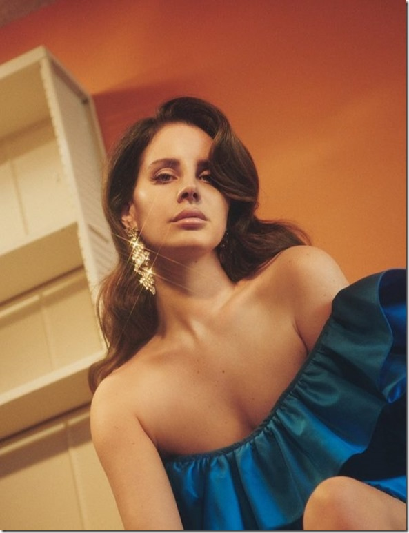 Lana-Del-Rey-Dazed-Magazine-Summer-2017-Cover-Photoshoot04-e1492607888636